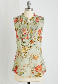 On Your Roam Time Tunic in Aviary | Mod Retro Vintage Short Sleeve Shirts | I'm having such a moment with big florals right now!
