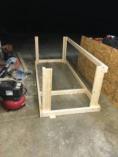 I built a mobile workbench - Imgur Garage Workbench Plans, Workbench Designs, Mobile Workbench, Woodworking Bench Plans, Woodworking Workbench, Easy Woodworking Projects, Diy Wood Projects, Workbench Ideas, Workbench Top