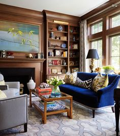 <p>Clean lines and gracious proportions, paired with a hefty dose of fresh color, give this new Chicago home all the classic elegance of a true Southern beauty.</p>