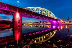 https://flic.kr/p/GDJePH | Bridge over troubled water | Yes here he is again :D the john Frost Bridge this time in Pink because of the Giro d'Italia wich will Start in Apeldoorn and start and finish  in Arnhem as well ...