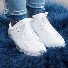 Laced Up Shoe💙  #newin #ss17 #sneakers #white #sportygirl #biancoherning #herningcity