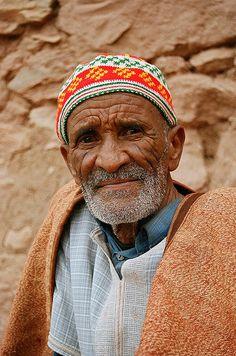 Old man, Aït Benhaddou, Morocco #People of #Morocco - Maroc Désert Expérience tours http://www.marocdesertexperience.com