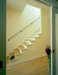 Really want to do this in the hall to open the space up, the railing looks tacky