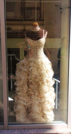 ❥ wedding dress.... Wow I really like this....