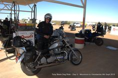 Day 5 lunch Glendambo 255kms to Coober Pedy #blackdogride