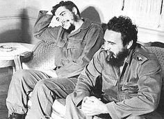 ernesto che guevara and fidel castro Che Guevara Pictures, Che Guevara Images, Fidel Castro, Karl Marx, Cuban Leader, Cuba History, Viva Cuba, Ernesto Che Guevara, Cienfuegos