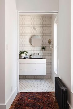 We've all had a love affair with traditional subway tiles for years, but this year we saw a different type of subway tile emerge: the square tile with dark grout. Popular in Scandinavian...