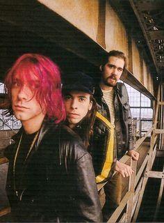 Nirvana, (Kurt Cobain, Dave Grohl, Krist Novoselic).