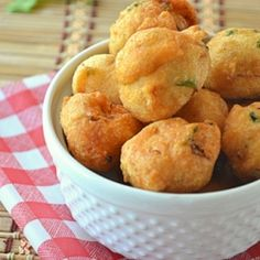 Deep fried Lentils balls. Serve with mild mango chutney, cucumbers, naan bread...a little different packed lunch, but so tasty!