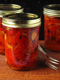 Marinated peppers are an antipasto mainstay. I like to toss the peppers with tuna, boiled shrimp, or grilled scallops and garnish with parsley. Canning Food Preservation, Preserving Food, Grilled Scallops, Chile, Home Canning, Canning Soup, Canned Food Storage, Salsa Picante, Pots
