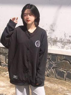Hair Inspo, Hair Inspiration, Korean Boys Ulzzang, Pretty Korean Girls, Girl Outfits, Fashion Outfits, Aesthetic Hair, Poses, Dream Hair