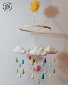 Baby Mobile Ideas Baby Crochet Mobile Cloud For 2019 Crochet Baby Toys, Crochet Gifts, Baby Knitting, Mobiles En Crochet, Crochet Mobile, Baby Crafts, Diy And Crafts, Baby Ballon, Decoration Creche