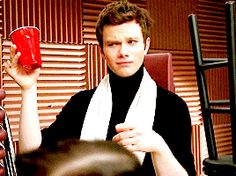Glee 3.08 Hold On to Sixteen - Red solo cup