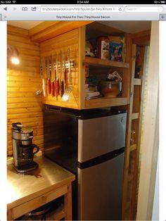 Good over fridge storage idea