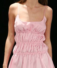 Fashion Tips Ideas .Fashion Tips Ideas Fashion Details, Diy Fashion, Runway Fashion, Fashion Show, Fashion Outfits, Womens Fashion, Fashion Tips, Fashion Trends, Fashion Hacks