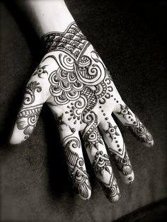 Ok new idea. Love the henna tattoo look but want it permanent and Lower tummy to disguise stretch marks!
