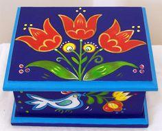 Tulip chest /Art Dekor SCSK / Hand painted furniture / www.artdekor.scsk.hu Tulipános láda