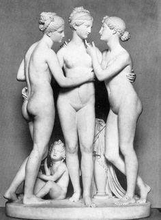 Una splendida scultura di Bertel Thorvaldsen che si trova al Thorvaldsens Museum a Copenhagen: le Tre Grazie con Cupido (1817-18)