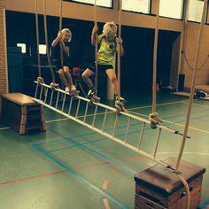 Climbing Rope climbing – Hobby Sports World Gross Motor Activities, Sports Activities, Physical Activities, Physical Education, Activities For Kids, Parkour, Kids Gym, Kids Sports, Elementary Pe