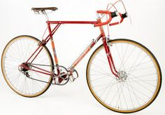 Thanet Silverlight: Innovation and beauty. Raised bottom bracket and shortened wheel base - a time machine.