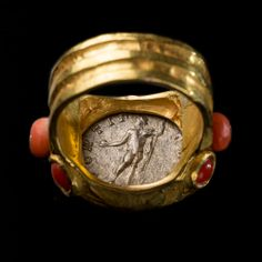 ANTONINUS PIUS COIN SET ON A RING  BIJARCHEO COLLECTION (reverse)
