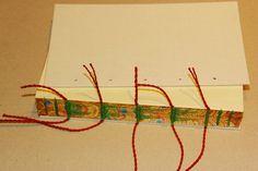 ENCUADERNACION LOMO VISTO           Este nuevo cosido en si mismo tiene la doble función de unir los cuadernillos y decorar el lomo...