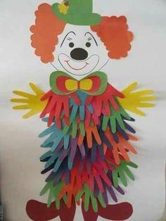 18 Handprint Crafts for Kids Ideas -Relaxwoman Clown Crafts, Paper Crafts For Kids, Diy For Kids, Diy And Crafts, Arts And Crafts, Carnival Crafts Kids, Preschool Crafts, Preschool Activities, Art Projects