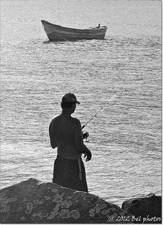 ♫ ♪ ♪♫ Sou pescador, sou Paz e Amor... ♫ ♪ ♪♫