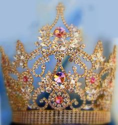 Daughter of the King ⁀°♡ YES< I AM < I AM NOT WORTHY TO WEAR THIS CROWN - I AM WAITING TO  LAY ANYTHING LIKE THIS AT JESUS FEET>