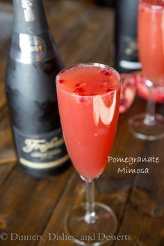 Pomegranate Mimosa Recipe Cocktails, Beverages with orange juice, pomegranate juice, sparkling wine, pomegranate seeds Festive Cocktails, Vodka Cocktails, Cocktail Drinks, Cocktail Recipes, Drink Recipes, Christmas Cocktails, Refreshing Cocktails, Holiday Drinks, Summer Drinks