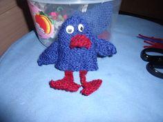 knitting a birdy   gebreid vogeltje