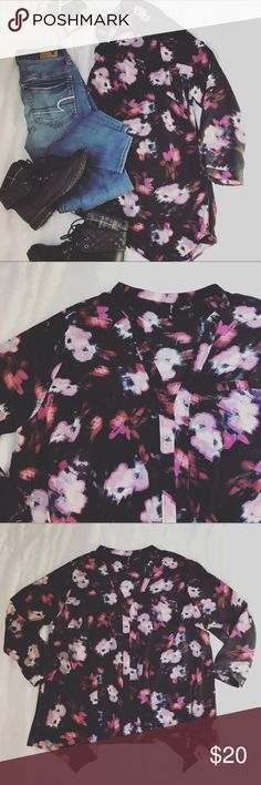 NWT Floral Blouse Sharktbite Blouse. 3/4 sleeves. new directions Tops Blouses
