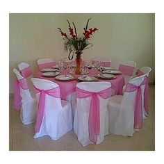 como hacer fundas para sillas - Buscar con Google Emerald Green Decor, Baby Shower Decorations, Table Decorations, Set Cover, Wedding Chairs, Chair Covers, Holidays And Events, Projects To Try, Table Settings