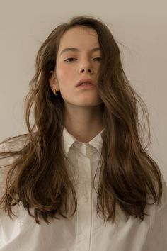 Hair Ideas For The Ladies.Recommendations regarding excellent looking hair. An individual's hair is certainly just what can easily define you as a man or woman. To most people it is certainly vital to have a very good hair do. Hair Inspo, Hair Inspiration, Hair Reference, About Hair, Hair Goals, Pretty People, Curly Hair Styles, Makeup Looks, Cool Hairstyles