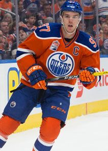 Connor McDavid, captain of the Edmonton Oilers, is the next great star in the National Hockey League. Hockey Girls, Hockey Mom, Ice Hockey, Montreal Canadiens, Hockey Boards, Connor Mcdavid, Pittsburgh Penguins Hockey, Jonathan Toews, Edmonton Oilers