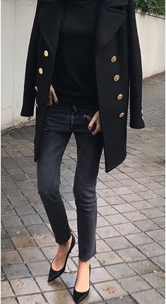 Love the look and style of this long blazer/coat.  Wish i could see the entire item.