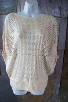 NWT batwing Ivory Crochet style Domin sleeve shorter sweater Juniors size S M