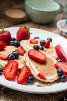 Low Fat Lemon Pancakes - a great option for either breakfast or dinner..and full of flavor. They are filling as well, and only 3 SmartPoints for 2 pancakes