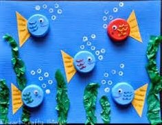 Bottle Cap Fish Use old bottle caps or milk caps to make an adorable ocean scene. Its a fun way to create using materials that might otherwise be thrown away. The post Bottle Cap Fish was featured on Fun Family Crafts. Kids Crafts, Animal Crafts For Kids, Family Crafts, Summer Crafts, Projects For Kids, Diy For Kids, Craft Projects, Arts And Crafts, Sea Animal Crafts