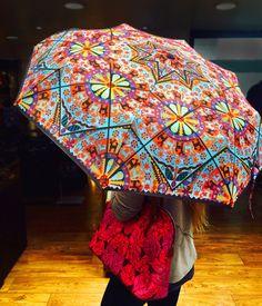 Sombrilla, Tepari Chaquira. #Umbrella #Parasol #womanstyle #Mexico #PinedaCovalin