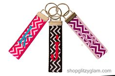 Jump on the trend with our new chevron patterned key chain. You pick your own belt color, monogram color, and initial! The belt is the thicker background that the ribbon lays over. Chevron key chains include a lowercase block type initial. Please be sure to fill out all the drop down boxes below. Shown in Hot Pink Belt with Chevron Hot Pink and White Ribbonwith a Turquoise initial in K; Black Belt with Chevron Black and White Ribbon with a Hot Pink initial in Jand Lavender belt with Chevron…