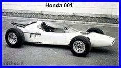 Breve comentario. En la historia de la Fórmula 1 han existido autos extraordinarios por su desempeño en la pista y dejaron huellas indelebles por su legado técnico, caso del Lotus 49 por sólo citar un ejemplo: otros pasaron sin pena ni gloria y...