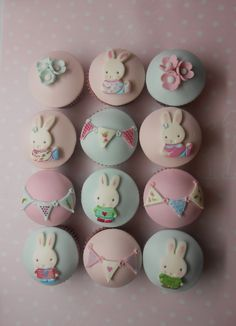 Pastell and polka dot:-)