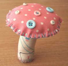 Toadstool - Basic instruction and photo tutorial.