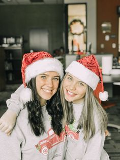 Christmas Feeling, Christmas Couple, Cozy Christmas, Christmas Pictures, Cute Friend Pictures, Best Friend Photos, Friend Pics, Best Friend Photography, Christmas Photography