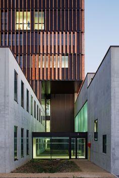 Mantois Technology Centre by Badia Berger Architectes / Pole DD – IUT Mantes-en-Yvelines, 78200 Mantes-la-Jolie, France