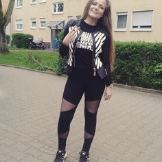 Auf nach Heilbronn ins Mobilat :) Bis später.. #babaallerbabas #mantel #originalqacax Cute Girl Outfits, Mantel, Cute Girls, Sporty, Instagram Posts, Tops, Women, Style, Fashion