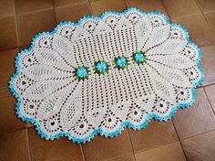 75 Crochet Placemat Patterns - The Funky Stitch Crochet Placemat Patterns, Crochet Tablecloth, Crochet Stitches Patterns, Crochet Doilies, Knitting Patterns, Crochet Stars, Crochet Round, Thread Crochet, Filet Crochet