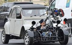 How they filmed the chases in Film Red, 2cv6, Volkswagen, Roadster, Car Mods, Audi, Weird Cars, Go Kart, Amazing Cars
