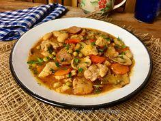 Chłopskie jadło to danie, którym można najeść się do syta. Dodałam tu składniki, które przypuszczam, że w większości każdy ma w lodówce. Nawet jeśli Thai Red Curry, Ethnic Recipes, Food, Essen, Meals, Yemek, Eten